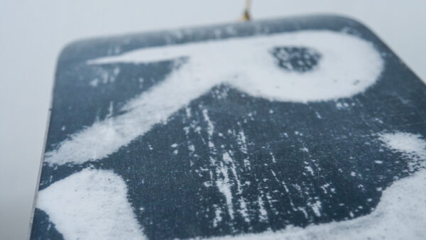 happy_snag_snowboard_recycling_hang_loose