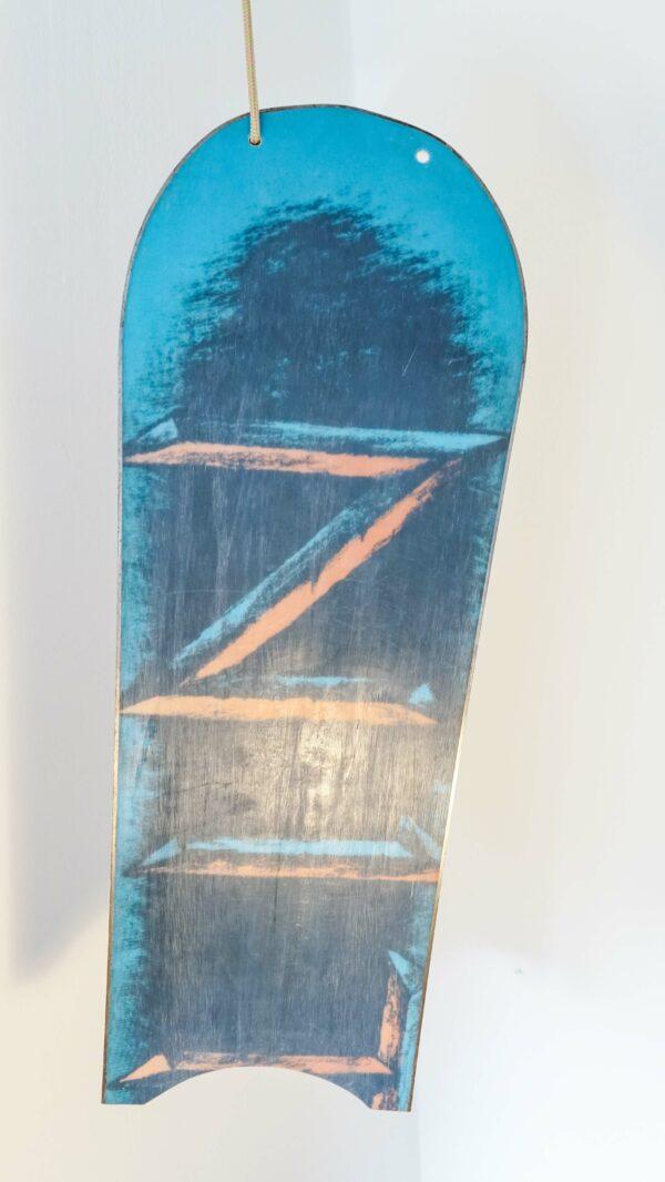 happy_snag_snowboard_recycling_eero