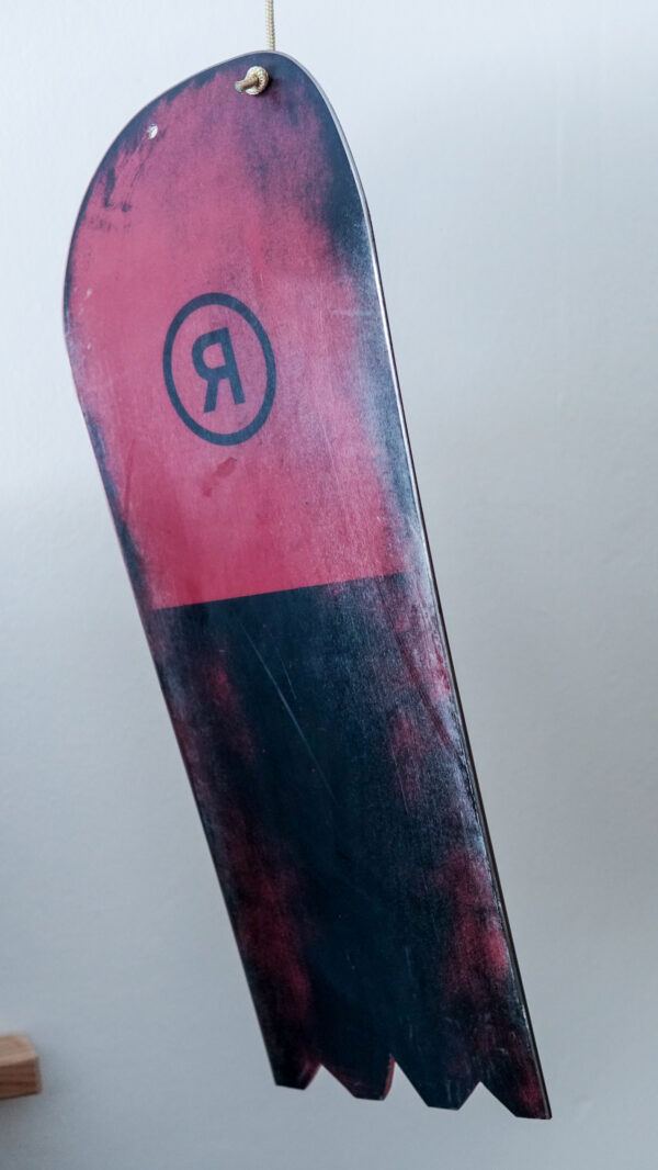 happy_snag_snowboard_recycling_pilot